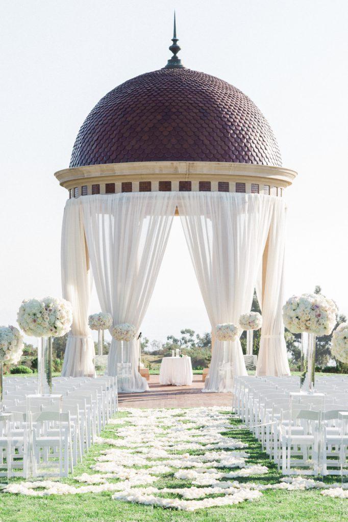 Pelican_Hill_Wedding_McCune_Photography_Flowersbycina_7