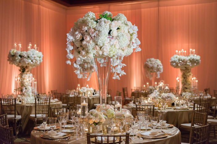 huntingtonbeachwedding_flowersbycina_insideweddings_10-1-705x470
