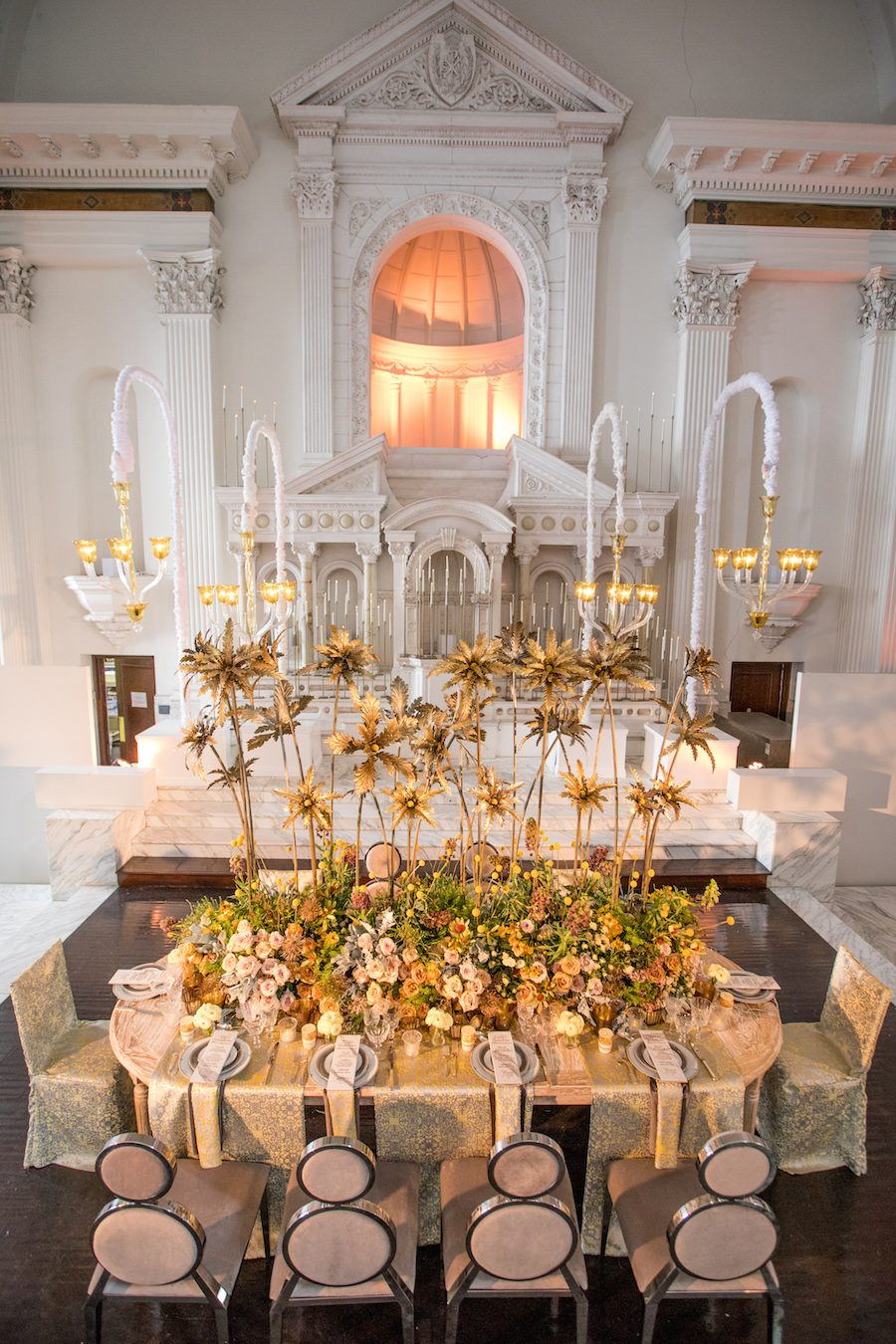 Eddie zaratsians luxe launch 2017 tabletop design featured on grace this unique and luxurious design incorporated hues of grey silver and yellow eddiezaratsiangraceormondeweddingstyleluxurytabledesign junglespirit Images