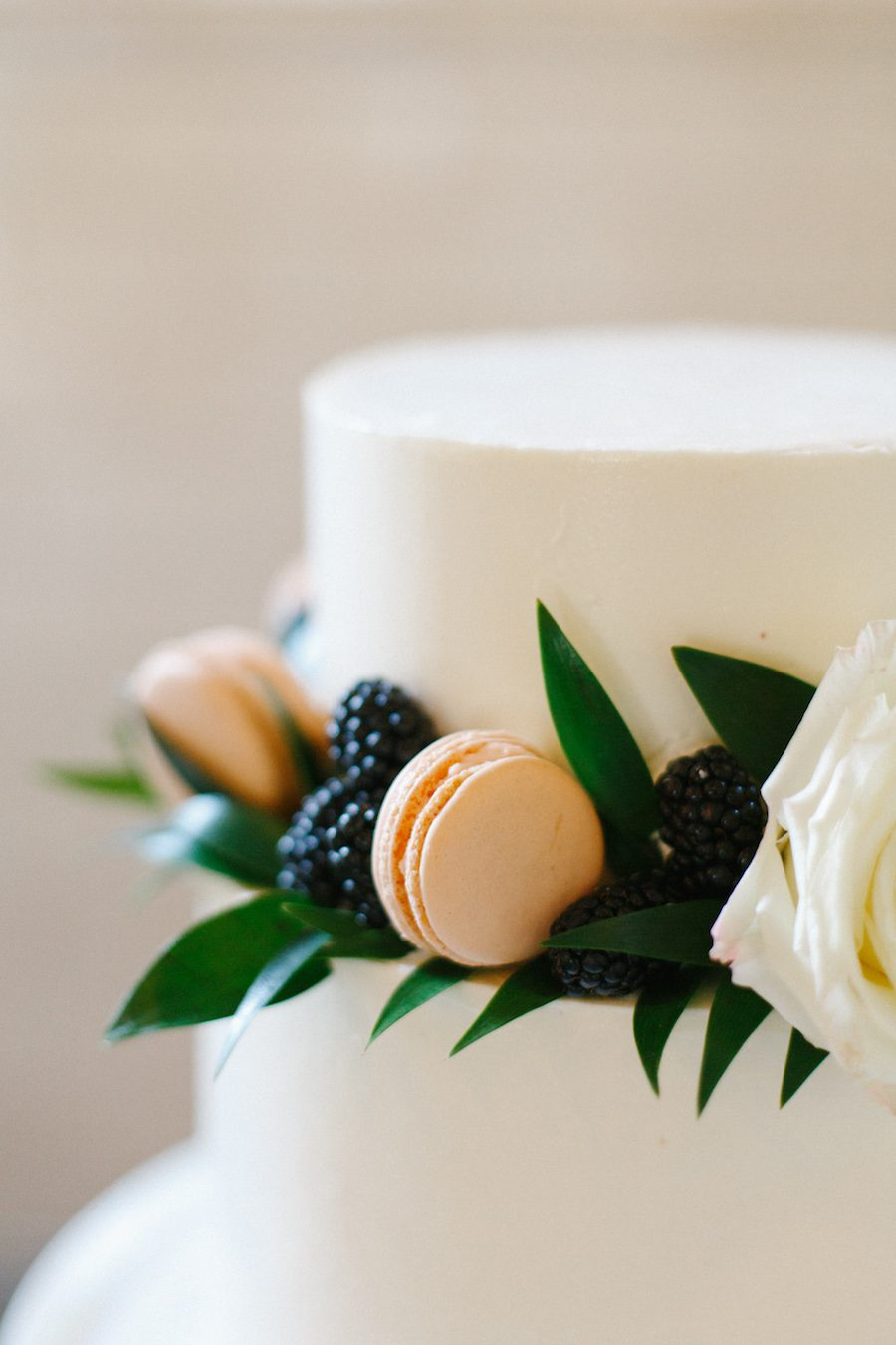 refreshing floral details, Blooms by the box, Novelty Bride Magazine, bloomsbythebox.com, Summer Wedding Inspiration,